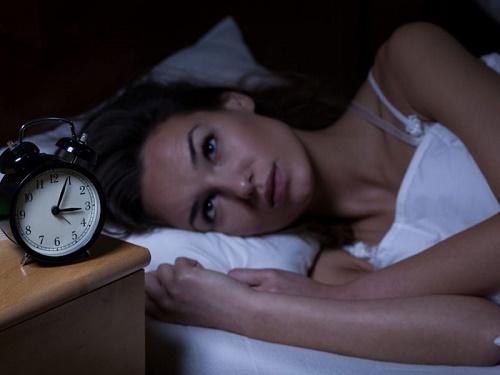 Mẹ thức khuya ảnh hưởng như thế nào tới thai nhi? - Ảnh 1