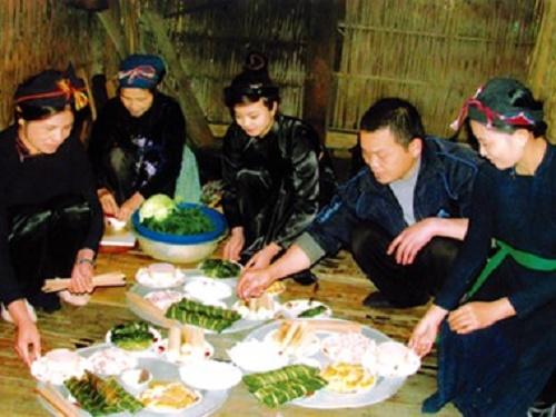 Kỳ lạ tục làm mâm cúng người sống của người Nùng ở Bắc Giang - Ảnh 1