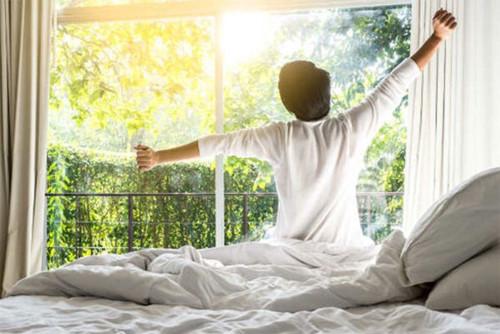 10 việc bạn nên làm vào buổi sáng để kéo dài tuổi thọ - Ảnh 1