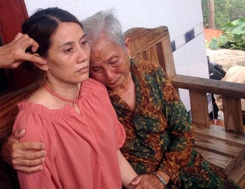 Nước mắt người mẹ già 83 tuổi gặp lại con gái sau 22 năm lưu lạc xứ người - Ảnh 1