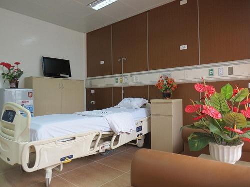 Bệnh nhân được chăm sóc cỡ nào nếu nằm giường bệnh giá 4 triệu đồng/ngày? - Ảnh 2