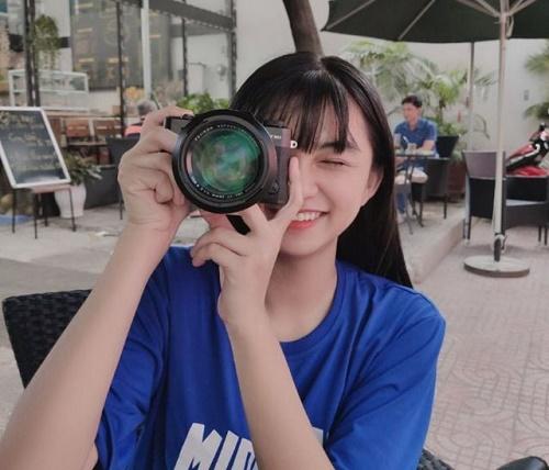 Chỉ một khoảnh khắc diện áo dài, nữ sinh Bình Thuận đã khiến dân mạng ngẩn ngơ thương nhớ - Ảnh 4
