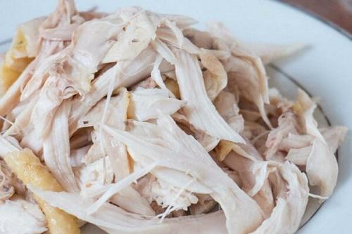 Thịt gà luộc xong thêm bước này đảm bảo cực ngon - Ảnh 2