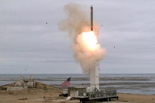 Nga, Trung Quốc đồng loạt đưa ra cảnh báo về vụ Mỹ bất ngờ phóng tên lửa - Ảnh 1