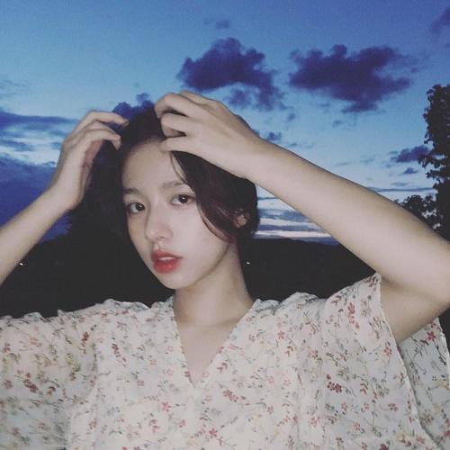 """Vừa nhập học, hot girl Quảng Bình đã khiến bao chàng trai """"điên đảo"""" - Ảnh 4"""