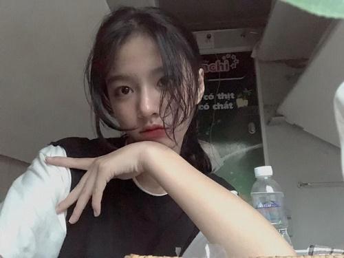 """Vừa nhập học, hot girl Quảng Bình đã khiến bao chàng trai """"điên đảo"""" - Ảnh 5"""