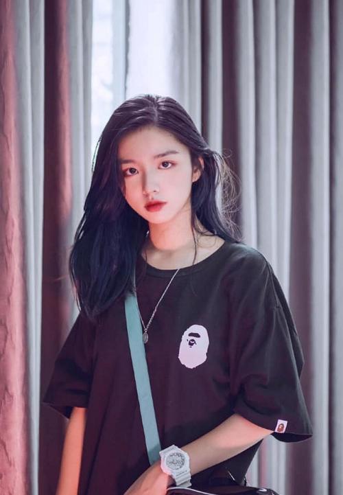 """Vừa nhập học, hot girl Quảng Bình đã khiến bao chàng trai """"điên đảo"""" - Ảnh 6"""