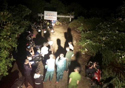 Đề xuất tuyên dương thanh niên rơi xuống vách đá tử vong khi cứu du khách đi lạc - Ảnh 1