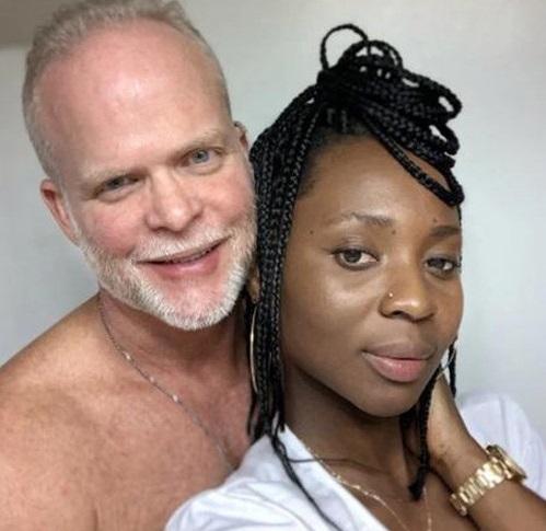 Tin tức đời sống mới nhất ngày 7/8/2019: Cô gái uống và bôi nước tiểu của chính mình lên mặt để làm đẹp - Ảnh 1