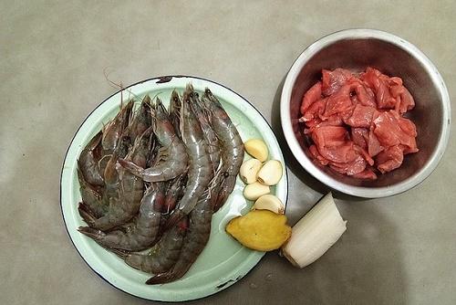 Chỉ 15 phút bạn có ngay món tôm rim mới lạ, cực hấp dẫn cho bữa tối - Ảnh 1