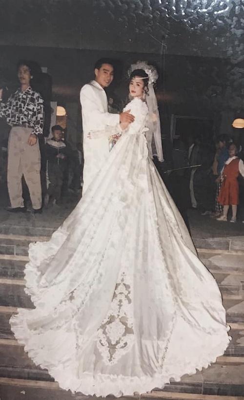 """Đám cưới """"đại gia"""" ở Hải Phòng năm 1994 khiến dân tình trầm trồ vì độ chịu chơi - Ảnh 2"""