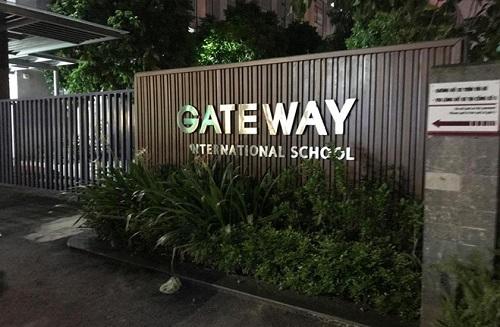 Vụ học sinh lớp 1 trường Gateway tử vong trên xe ô tô: Hiệu trưởng nói sắp nghỉ việc - Ảnh 1