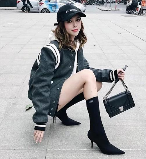 """Không chỉ ghi danh trong """"Hội con nhà giàu"""", thiếu nữ Hà Thành còn có vẻ đẹp vạn người mê - Ảnh 5"""