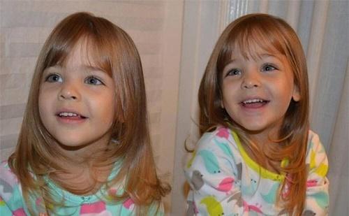 Mới 9 tuổi, cặp song sinh đẹp nhất thế giới đã kiếm được hàng triệu đô la mỗi năm - Ảnh 2