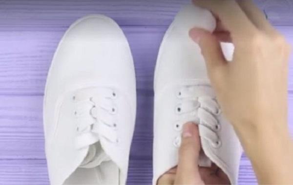 """Mẹo nhỏ """"thần thánh"""" giúp bạn đánh bay nỗi lo giày trắng ố bẩn, ngấm nước - Ảnh 3"""