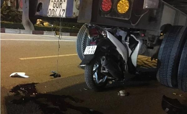 Tin tức tai nạn giao thông mới nhất ngày 27/9/2019: Tự lao xe 3 bánh vào lan can cầu Vĩnh Tuy, 9X tử vong - Ảnh 4