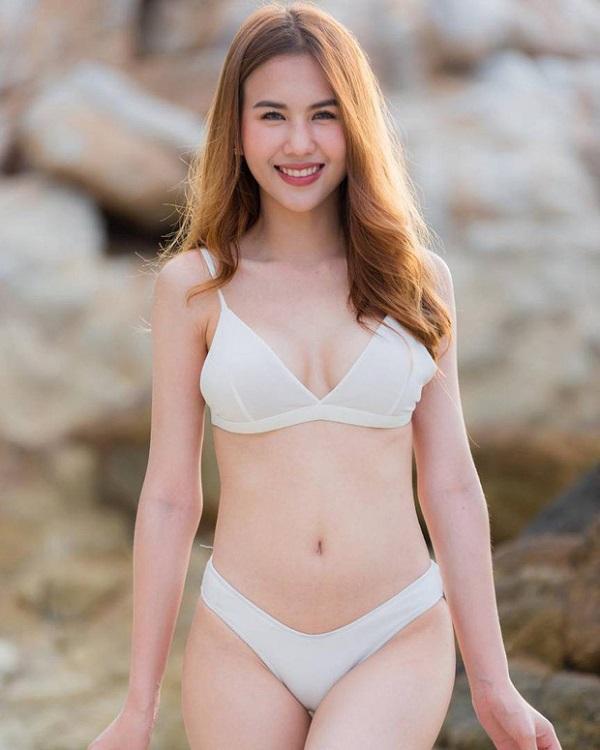 """Cận cảnh vẻ đẹp nóng bỏng """"đốt mắt"""" người nhìn của bạn gái tiền đạo U23 Thái Lan - Ảnh 6"""