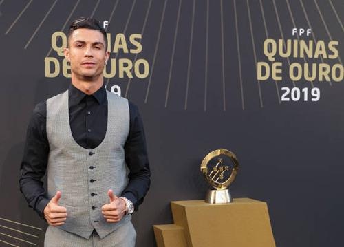 Cristiano Ronaldo lần thứ 10 nhận giải Cầu thủ hay nhất Bồ Đào Nha  - Ảnh 1