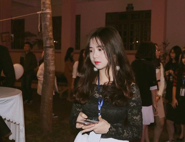 Tân nữ sinh Đại học Luật khiến dân mạng ngẩn ngơ vì vẻ đẹp ngây thơ - Ảnh 6