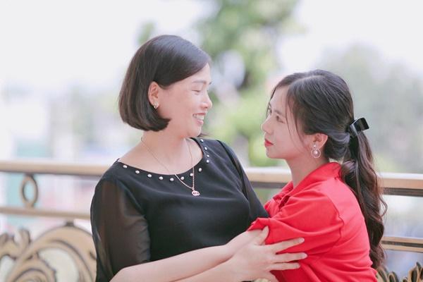 Tân nữ sinh Đại học Luật khiến dân mạng ngẩn ngơ vì vẻ đẹp ngây thơ - Ảnh 8