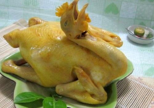 Cách luộc gà cúng ông Công ông Táo vàng óng, không bị nứt, dáng đẹp cánh tiên - Ảnh 3