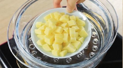 """Cực ghét khoai tây, nhưng chế biến theo cách này chồng tôi lại """"mê tít"""" - Ảnh 1"""