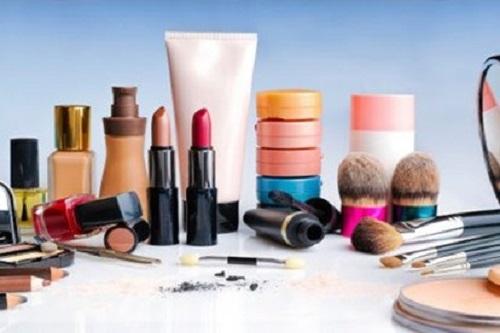 Kinh doanh mỹ phẩm không ghi nhãn đầy đủ, công ty Dược bị phạt 45 triệu đồng - Ảnh 1