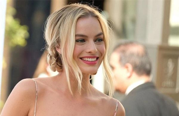 Ngất ngây trước nhan sắc của 10 phụ nữ đẹp nhất hành tinh năm 2020 - Ảnh 9