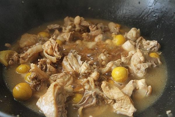 Hạt dẻ đang vào mùa làm ngay món ngon này đảm bảo ai cũng ăn vài bát cơm - Ảnh 6