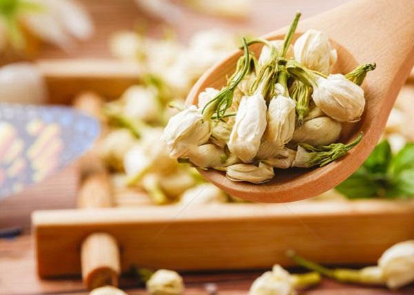 8 siêu lợi ích của trà hoa nhài đối với sức khỏe, tội gì không uống - Ảnh 1