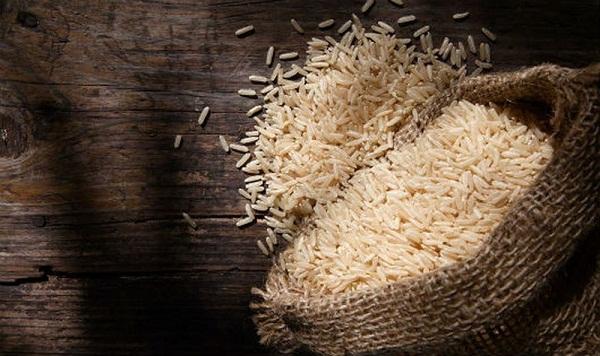 Chỉ với 4 mẹo này, bạn có thể bảo quản gạo dùng quanh năm không lo mối mọt, ẩm mốc - Ảnh 1