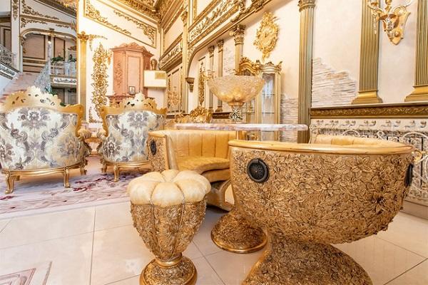 """Choáng ngợp trước cung điện dát vàng """"núp bóng"""" ngôi nhà cấp 4 - Ảnh 4"""