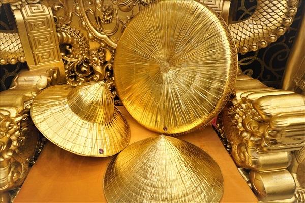 Choáng ngợp trước ngôi nhà dát vàng ở Cần Thơ: Có ngai vàng hóa thân thành vua chúa - Ảnh 3