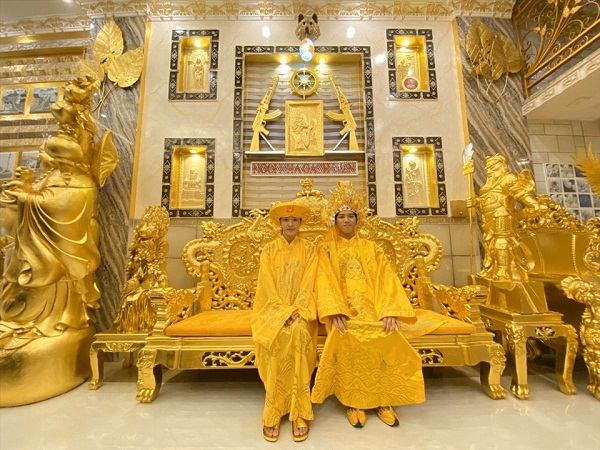 Choáng ngợp trước ngôi nhà dát vàng ở Cần Thơ: Có ngai vàng hóa thân thành vua chúa - Ảnh 8