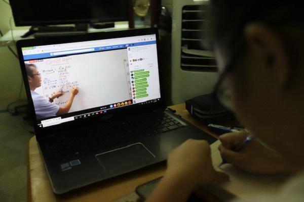 Nghỉ học vì dịch Covid-19: Các trường đã tổ chức học trực tuyến vẫn phải có phương án dạy bù - Ảnh 1