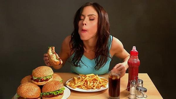 7 thói quen ăn uống gây ra 7 bệnh ung thư phổ biến hiện nay - Ảnh 1