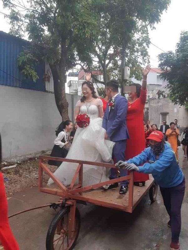 Màn rước dâu độc - lạ bằng xe tự chế, người xung phong đi đầu mới thu hút hơn cả - Ảnh 1