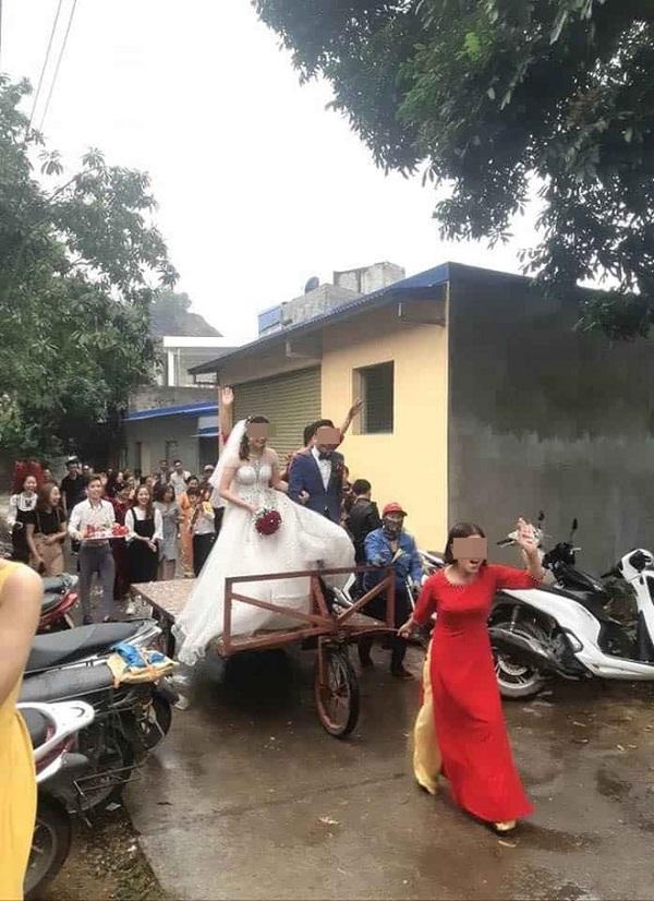 Màn rước dâu độc - lạ bằng xe tự chế, người xung phong đi đầu mới thu hút hơn cả - Ảnh 2