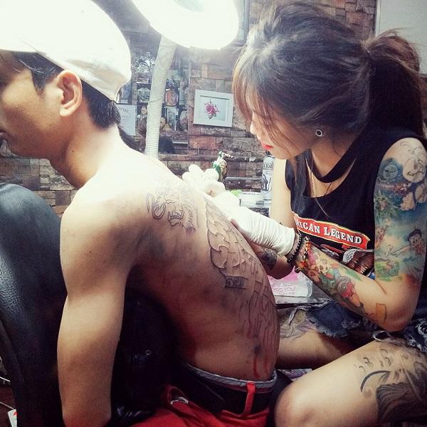 """Con đường trở thành hot girl xăm mình """"vạn người mê"""" của 9X Quảng Nam - Ảnh 2"""