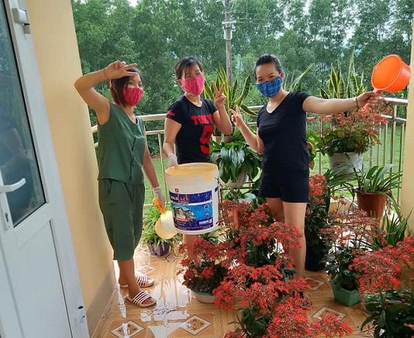 Muôn hoa khoe sắc trong khu cách ly công dân ở Hà Tĩnh - Ảnh 3