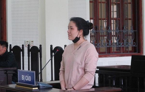 Tiếng khóc xót xa của 2 đứa trẻ tại phiên tòa xét xử mẹ phạm tội Lừa đảo - Ảnh 1