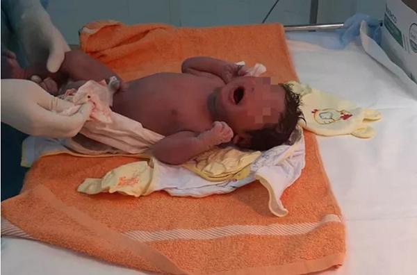 12 y, bác sĩ giúp sản phụ sinh con trong khu cách ly dịch Covid-19 - Ảnh 1
