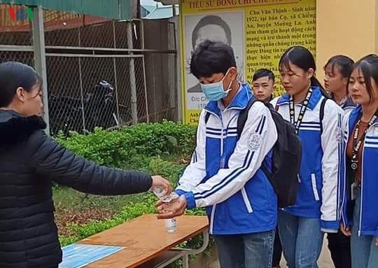 Sau 1 ngày đi học, Sơn La quyết định cho học sinh nghỉ thêm 2 tuần - Ảnh 1