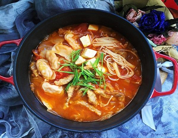 Chán cơm, mẹ đảm học người Hàn nấu miến ngon ngất ngây, ăn hoài không sợ tăng cân - Ảnh 4