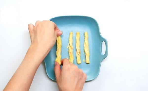 Chỉ với chiếc lò vi sóng tôi đã làm được món ăn vặt siêu ngon cho bé - Ảnh 5