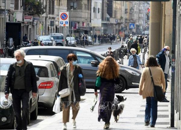 Số ca tử vong giảm mạnh, Italy công bố kế hoạch ứng phó dịch Covid- 19 giai đoạn 2 - Ảnh 1