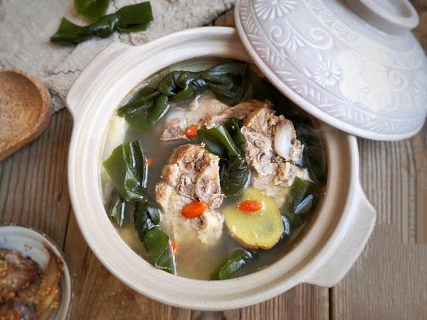 Mẹ đảm học người Hàn nấu món canh xương mát lành, thơm ngọt cho ngày hè nóng nực - Ảnh 5
