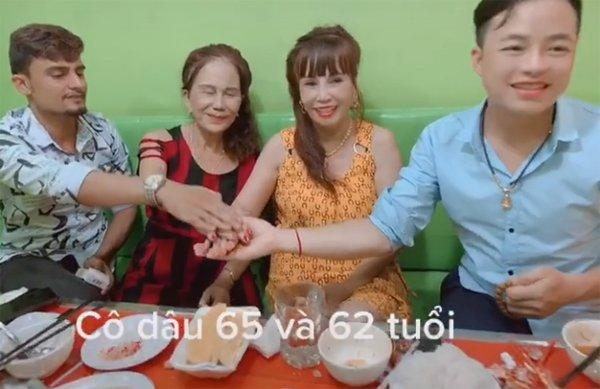 Cô dâu 62 tuổi cùng chồng trẻ lặn lội vào Đồng Nai gặp cô dâu 65 tuổi, dân mạng phản ứng trái chiều - Ảnh 1