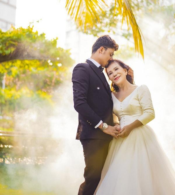 Loạt ảnh cưới chất như tuổi teen của cô dâu Việt 65 tuổi với chồng Tây 28 tuổi, tiết lộ bất ngờ của phó nháy - Ảnh 6