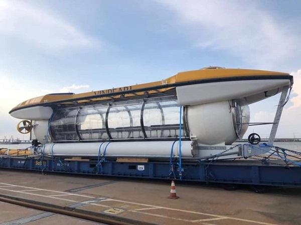 Tàu ngầm tỷ phú Phạm Nhật Vượng đặt mua cho Vinpearl bất ngờ xuất hiện tại Nha Trang - Ảnh 2